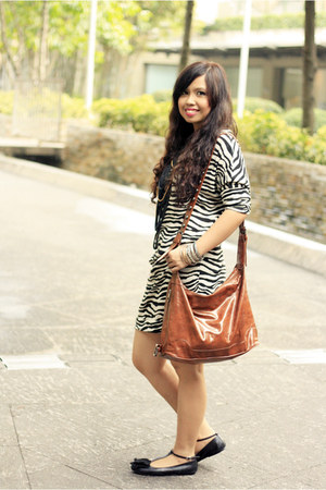 black zebra print thrifted dress - burnt orange divisoria bag