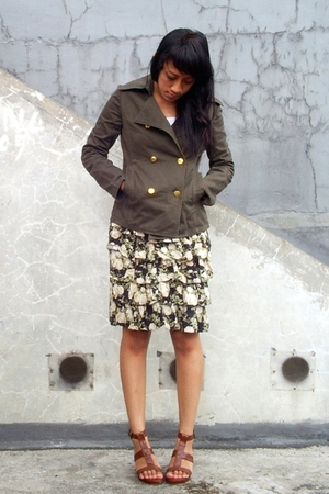 green thrifted jacket - black thrifted skirt - white random shirt - brown ITC M2