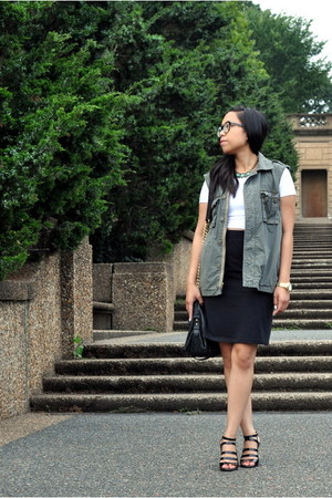 white crop top American Apparel top - army green Gap vest - black Uniqlo skirt