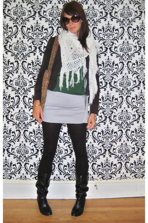 white vintage scarf - black To The Max jacket - green vintage blouse - gray Urba