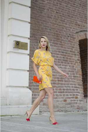 orange Tiramisu alle fragole bag - yellow Zara dress - red Mango sandals