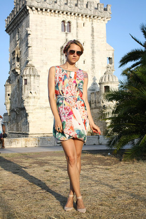 light orange floral H&M dress - light brown H&M sunglasses