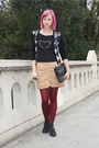Black-random-boots-black-thrifted-shirt-maroon-mondex-tights