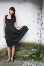 Black-vintage-dress-black-random-shoes