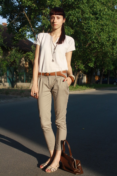 Vintage White Blouse Stradivarius Beige Pants Random White Shoes Thrifted Brown Belt Vintage Brown Purse