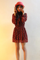 maroon Skinny Heels dress - red round hat hat - bronze rebels ring