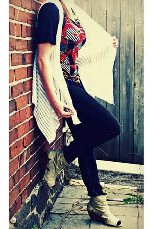 American Egle boots - BONGO Demis jeans - SUZY Suzy Shier shirt - Doki-Geki vest