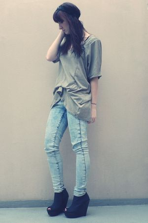 beige Topshop shirt - blue Topshop jeans - black Boohoocom shoes