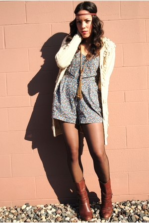 Forever 21 shorts - Miss Sixty boots - Moussy Shop sweater