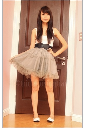 gray tutu Gingersnaps skirt - white flats Greenhills tiangge shoes