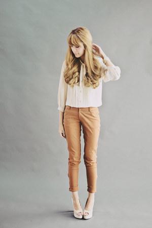 off white Bayo blouse - brown Bayo pants - off white sugarfree shoes heels
