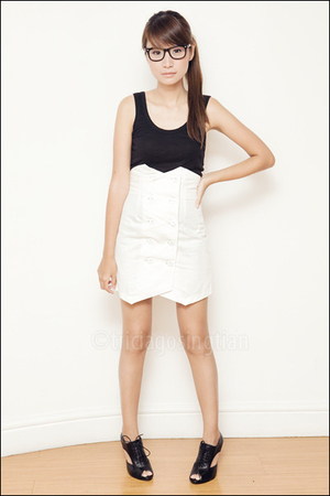 white high-waisted Poisonberry skirt - black Nine West shoes