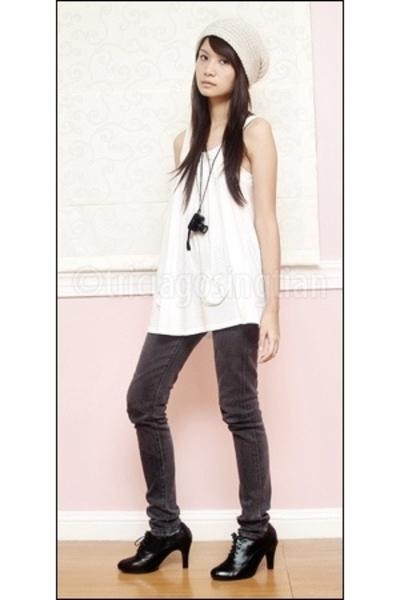 black camera necklace - black oxfords Urge shoes - beige beanie taiwan hat