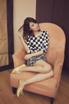 Morellato accessories - jeanjer flats - jeanasis skirt - Details top