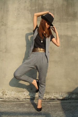 NET hat - NET top - vest - Zara pants - Miss shoes