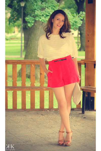 light yellow T-shirt t-shirt - red Zara shorts - Stradivarius sandals