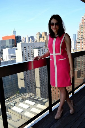 hot pink muse dress - neutral simply vera shoes - tan Michael Stars sunglasses