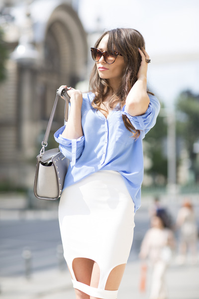 gold silver vintage ring - sky blue silk Zara shirt