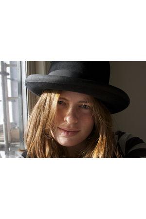 black vintage hat - Vero Moda blouse