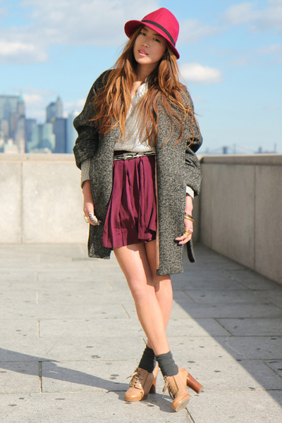 red wool fedora hat - beige Chloe oxfords shoes - gray H&M coat