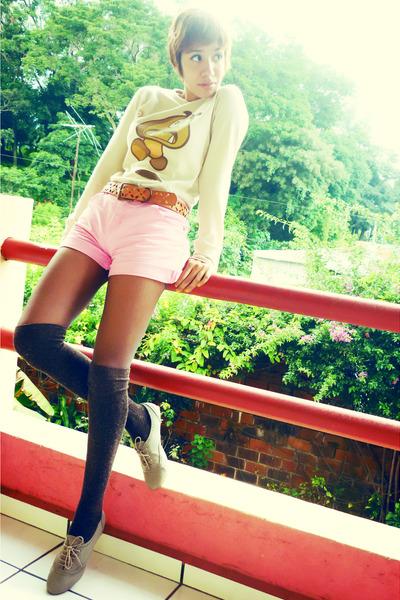 beige gift shirt - brown moms belt - pink thrift shorts - brown thrift tights -