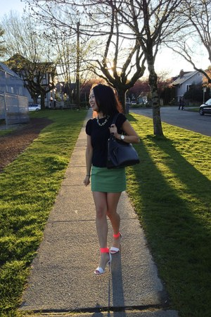 statement JCrew necklace - black kate spade purse - black BB Dakota top