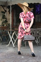 vintage shoes - vintage dress - vintage hat - vintage bag