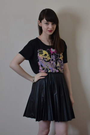 black The Kooples t-shirt - black warehouse skirt