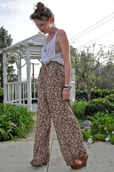 brown SPIRITANIMALS pants - white American Apparel t-shirt - bronze Bakers wedge