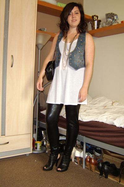 Topshop top - Miss Selfridge necklace - Primark vest - asos leggings - Debenhams