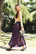 pleated maxi skirt - tank top top - cobweb top - Gold Dot pumps
