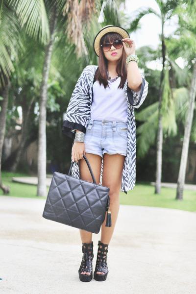 denim shorts - animalprint cape