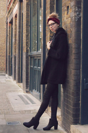 black chelsea thrifted boots - black waxed thrifted jeans - white Primark blouse