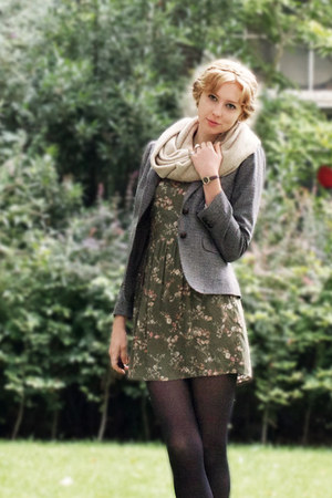 green floral Bershka dress - heather gray tweed thrifted blazer