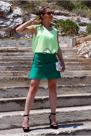 Zara shoes - Ray Ban sunglasses - Zara skirt - Accessorize earrings
