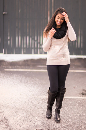 Express sweater - Forever 21 boots