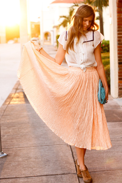 peach Tea and Tulips skirt - white Tea and Tulips blouse - bronze Wanted heels