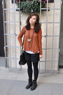 Carvela-boots-mulberry-bag-h-m-shorts-h-m-jumper