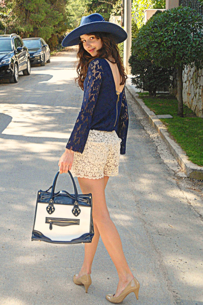 Ivory-floral-jacket-navy-lace-zara-dress-navy-zara-hat-navy-bag_400