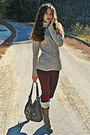 Beige-jumper-light-brown-faux-fur-boots-crimson-zara-leggings