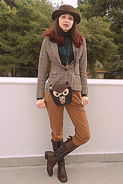 black owl bag - dark brown Tommy Hilfiger boots - dark brown romwe hat