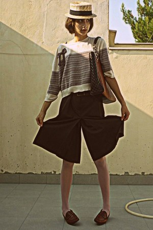 brown culotte shorts - light pink pull&amp;bear sweater - light pink tights