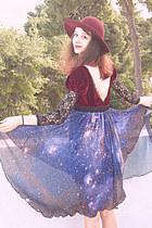 navy starry romwe skirt - maroon velvet romwe dress - maroon H&M hat