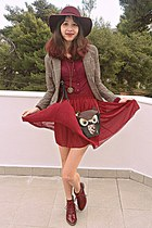 black owl bag - maroon H&M hat - beige plaid Cozbest blazer - maroon skirt