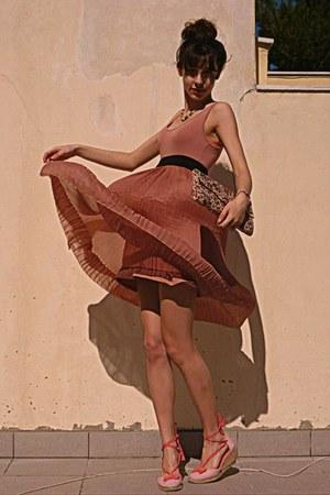 coral H&M dress - beige floral Accessorize purse - coral romwe skirt