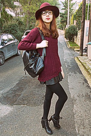 maroon romwe sweater - black heel laceup Chicwish boots - maroon H&M hat