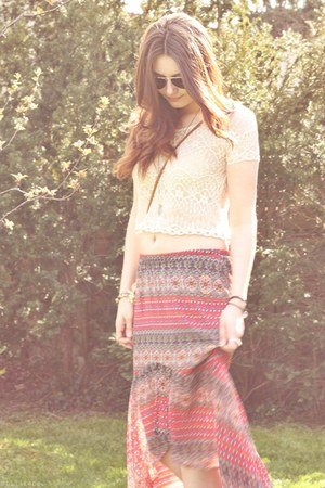 aztec printed Band of Gypsies skirt - lace H&M shirt - fringed Ann Christine bag