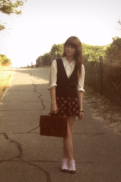 pink kids socks - brown thrifted bag - Forever New shorts - Dotti vest