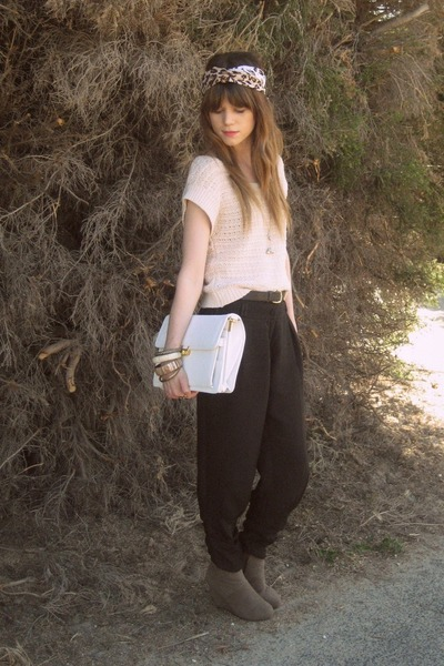 Sportsgirl top - Forever New pants - rubi boots - thrifted bag