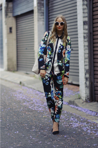 white from japan bag - dark green floral print H&M blazer
